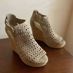 Marc Fisher Mehelena Cut-Out Wedges Sz 8